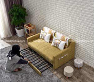 Chiếc ghế sofa giường màu vàng xinh xắn này dễ dàng biến thành chiếc giường êm ái chỉ trong vòng nháy mắt