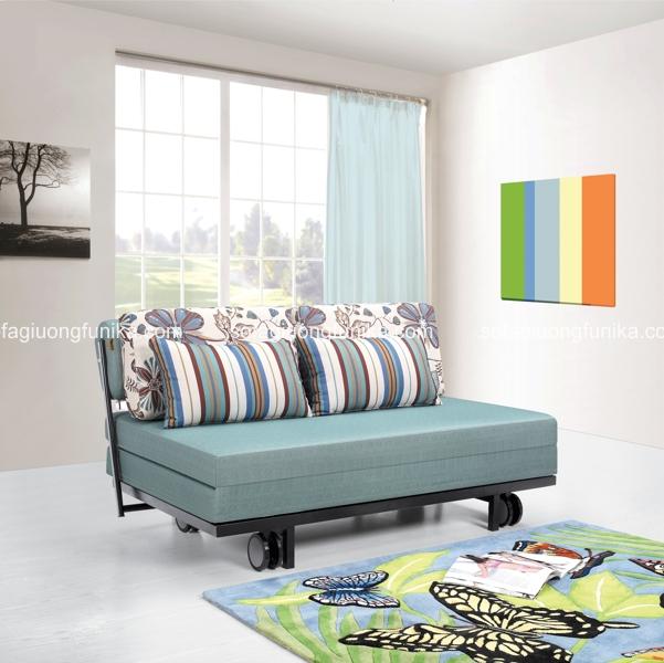 Hay là chiếc sofa giường trang nhã có màu xanh pastel và một chút điểm nhấn kẻ sọc ở gối?
